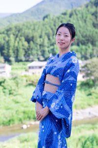 樋泉聡子 写真1